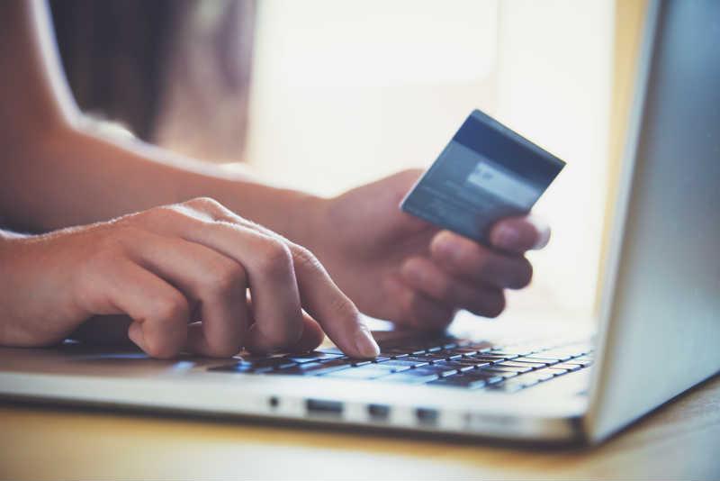 決済方法の充実化!クレジットカード決済の導入で売上向上を目指そう!