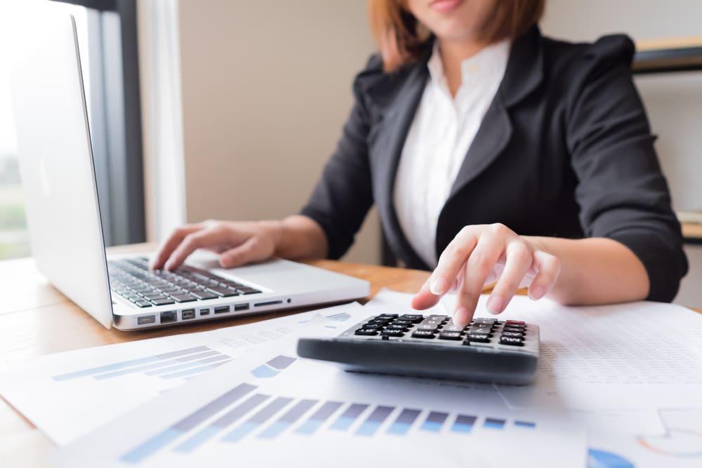 なぜ会社で自分と家族の退職金を積み立てると節税になるのか?